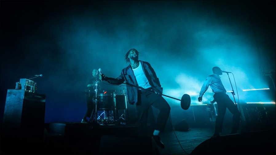 Young Fathers auf Tour mit GLP