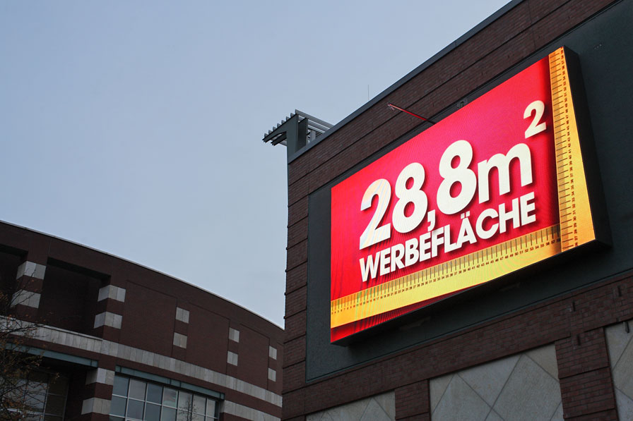 Outdoor-Display von Innlights am CentrO in Oberhausen